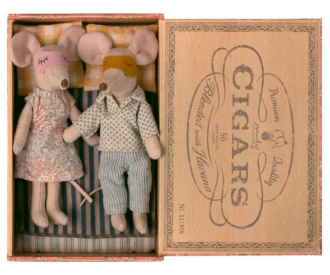 Maileg Mum and Dad in Cigarbox - 1740